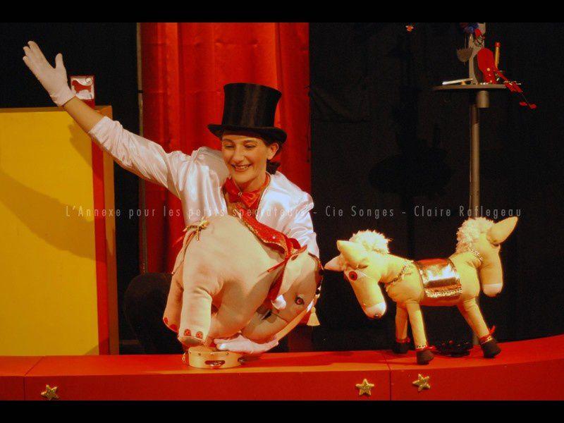 L'Annexe pour les petits spectateurs : un cirque tout en boîte !