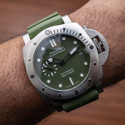 Replica Panerai Submersible Verde Militare 42mm PAM01055