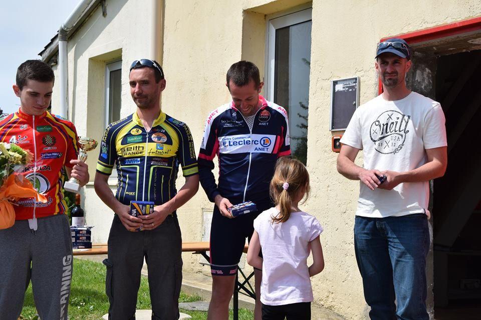 Album photos des podiums des courses UFOLEP de Bois le Roy (27)