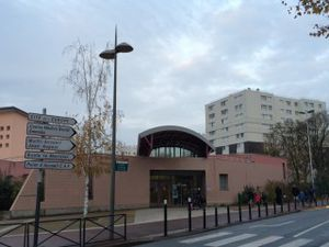 Ouverture des écoles lundi à Aulnay-sous-Bois mais les établissements sportifs et culturels restent fermés jusqu'à jeudi