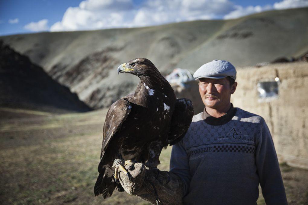 Album - Chez-le-chasseur-de-loups-Kazakh-avec-son-aigle