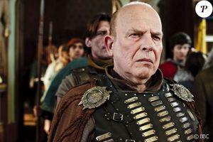 """John Shrapnel est mort : l'acteur de """"Gladiator"""" et """"Troie"""" avait 77 ans"""