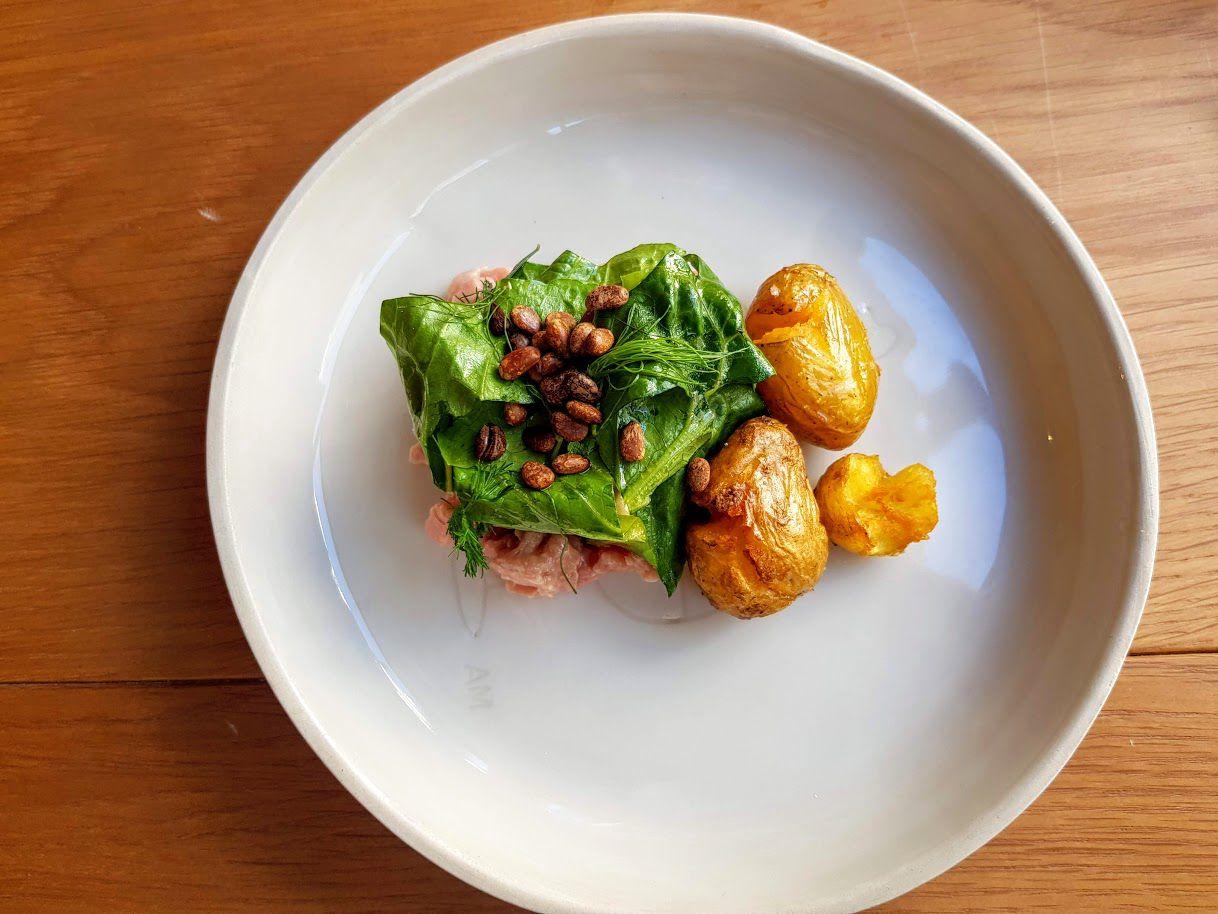 Tartare de veau, bagna cauda et pommes de terres smashées Marchon restaurant Paris 11