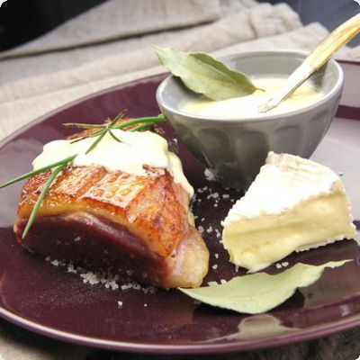 Magret de canard sauce au camembert