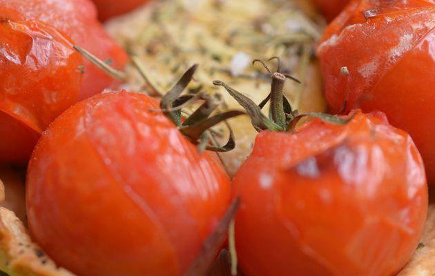Tartelette au crottin de chèvre et tomates cerise