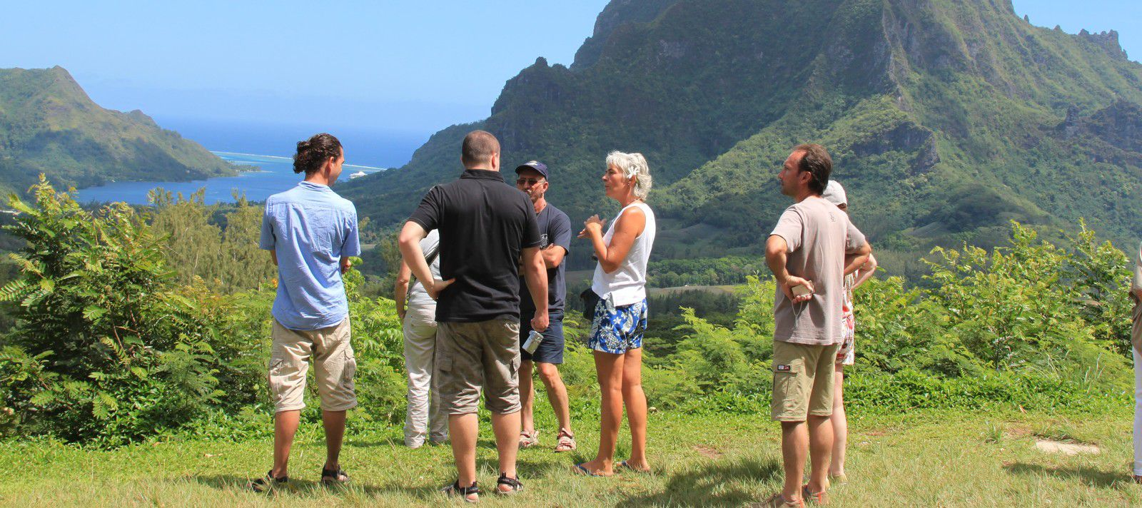Lady in Blue Moorea Tours