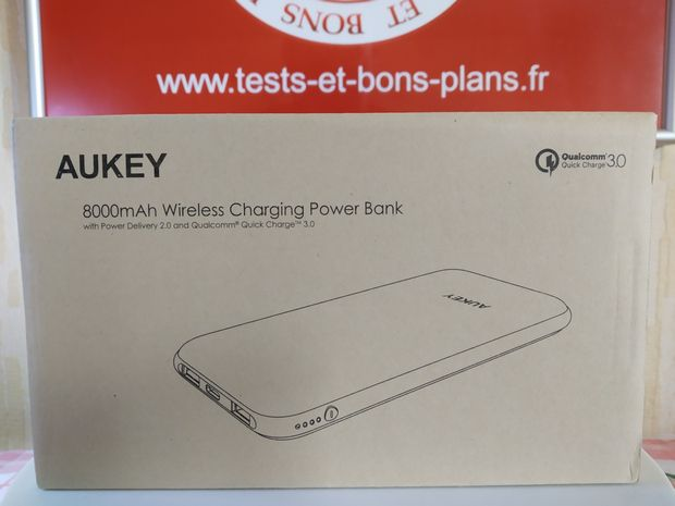 unboxing de la batterie externe 8.000 mAh hybride USB-C Power Delivery 18 Watts + charge sans fil Qi 5 Watts - Aukey PB-Y25 @ Tests et Bons Plans