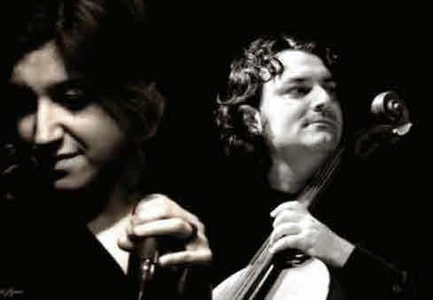 redi hasa, le violoncelliste albanais de ludovico einaudi pour tisser un duo somptueux avec maria mazzotta