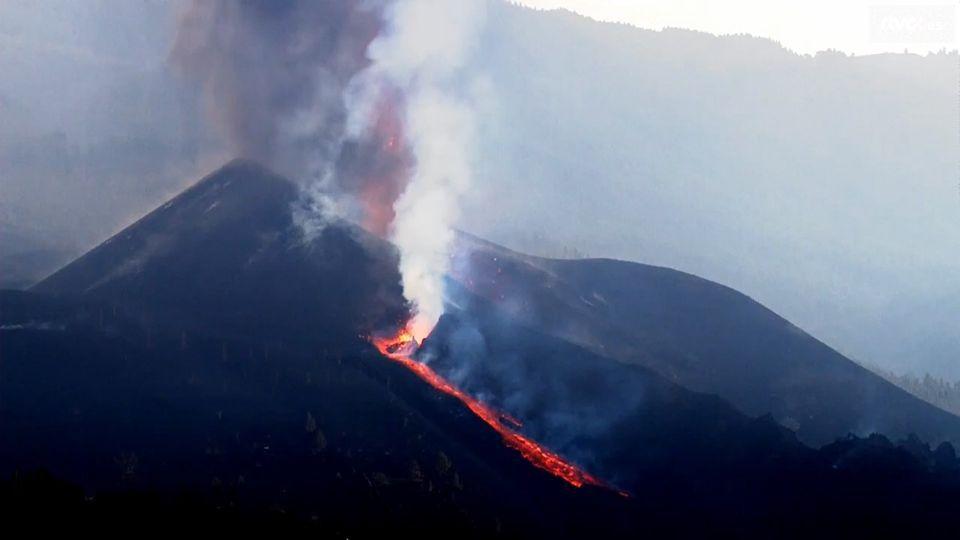 La Palma / Cumbre Vieja  - reprise de l'activité strombolienne en soirée du 27.09.2021 -