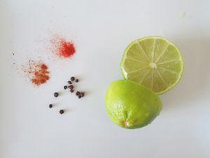 Poivre de Sichuan, piment de Cayenne, paprika et lime