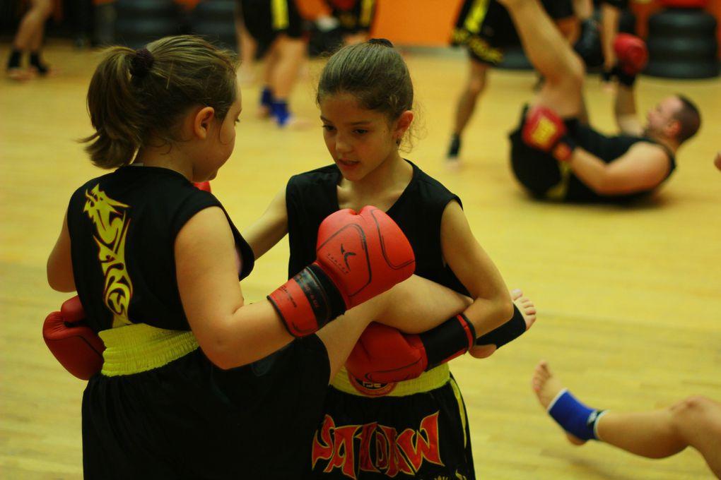 Practicar artes marciales no está limitado por la edad. No te preocupes de que tu inteligencia no sea suficiente, pero aplica tu mente diligentemente. Dale toda tu fuerza y no descanses hasta que logres tu. Perfeccionar cada postura requiere aproxim