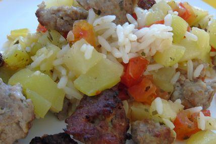 """""""Gratin"""" de courgettes ,tomates,riz et chair à saucisses"""
