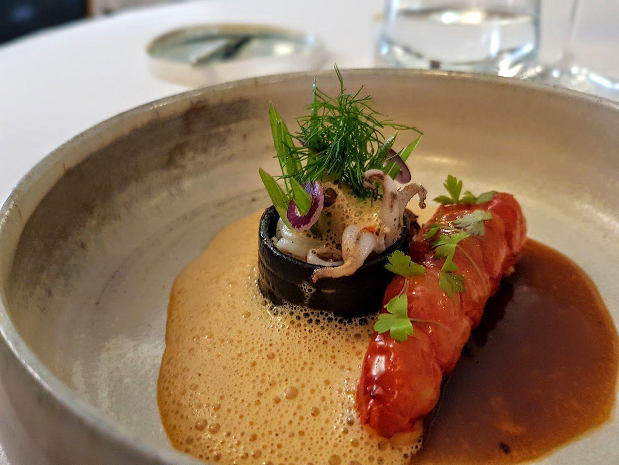 Gambera, linguine encre de seiche, chipirons, jus de têtes L'Arcane restaurant Paris 18