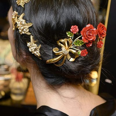 It is said that Dolce & Gabbana's hairstyle in every season is the best model for bridal hairstyle! Do not you believe?
