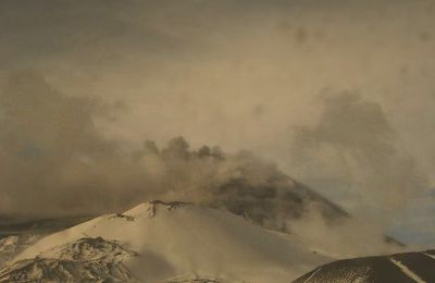News from Etna, Cumbre Vieja and Piton de La Fournaise.