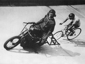 MOTO et VÉLO unis dans le sport, une belle exposition le 12 JUIN 2016 sur l'autodrome de Linas Montlhéry sur le thème de 120 années de demi-fond cycliste,