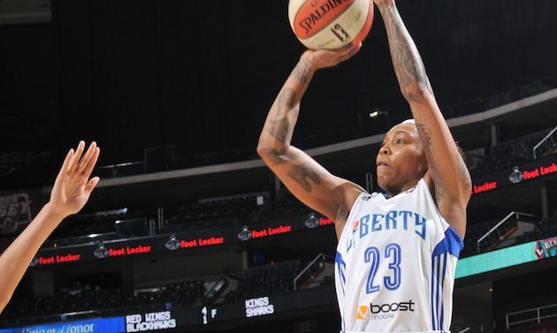 WNBA: Cappie Pondexter Shines in Home Debut