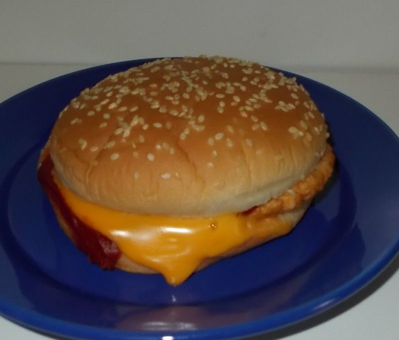 Lidl The Premium Selection Chicken & Cheese Burger