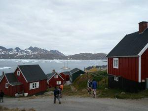 Tasilaq village inuit actif