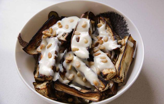 Aubergines rôties et yaourt au safran façon Yotam Ottolenghi