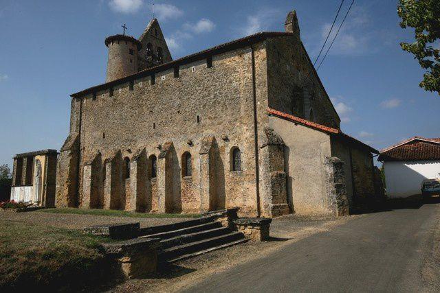 Diaporama église fortifiée de Bascons