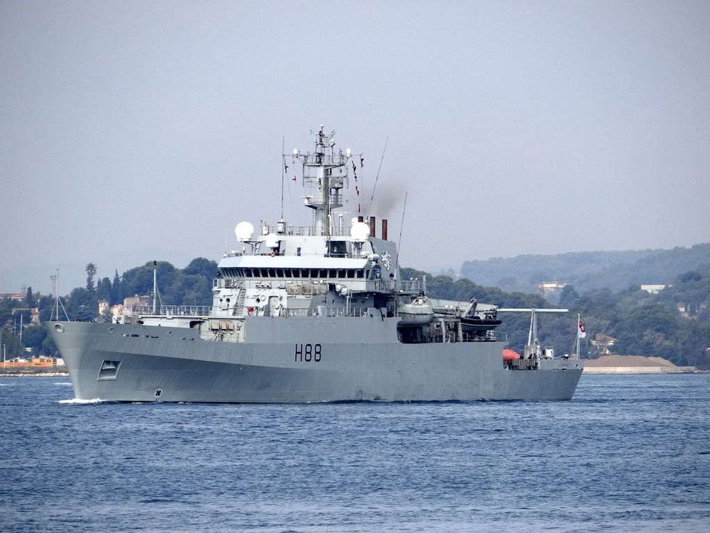ENTERPRISE      H88 , navire Hydrographique de la Marine anglaise appareillant de Toulon le 25 septemtre 2017