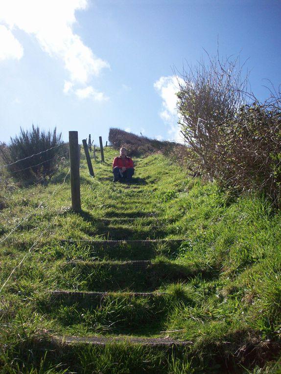 Magnifique randonnée, sur le GR34 et dans l'intérieur des terres du côté du St Jean du Doigt.