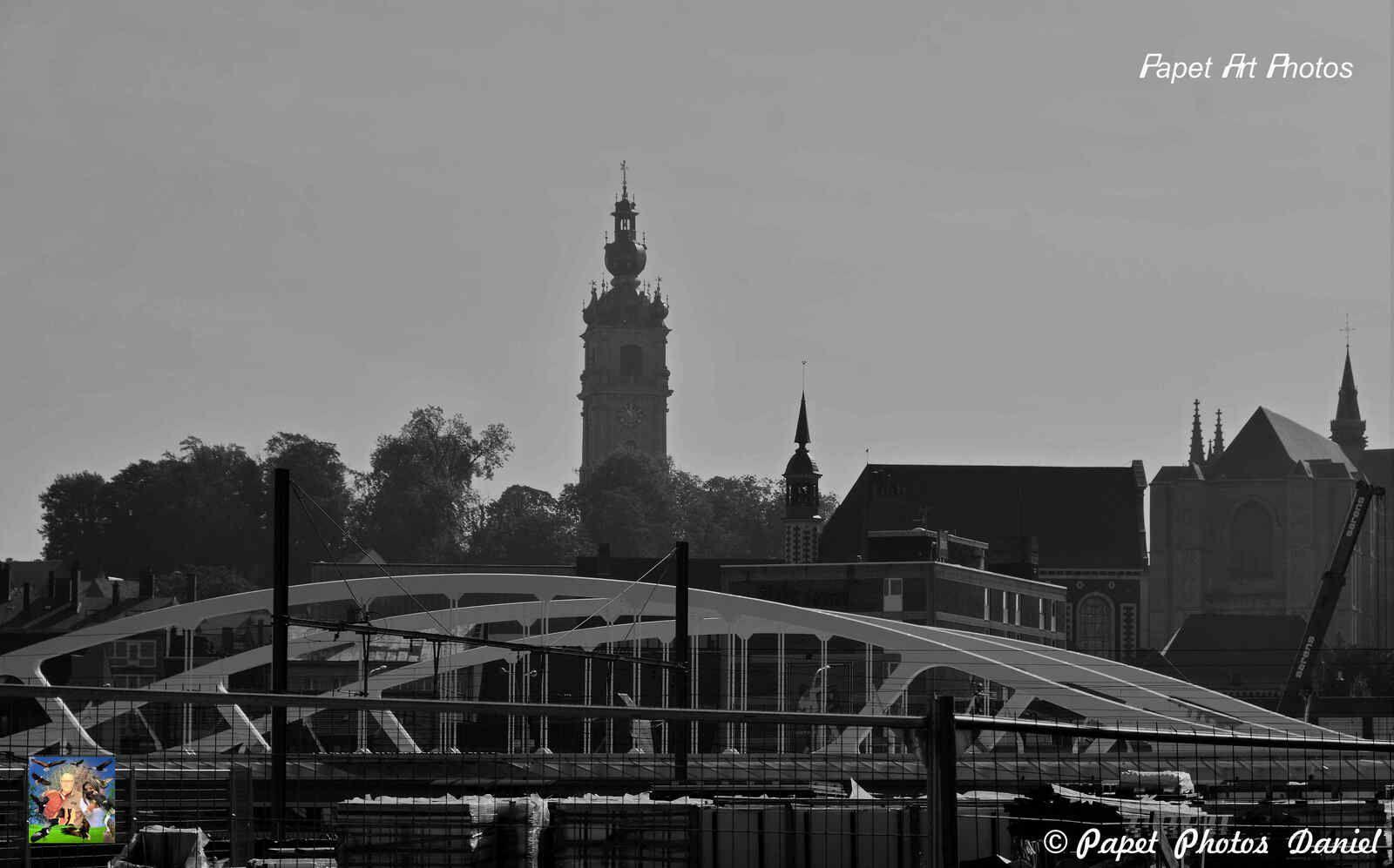 La Gare de Mons ca diminue, deja mieux, mais pour voir le spectacle de la premiere photo ???????