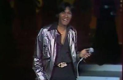 Août 1977: Shake:
