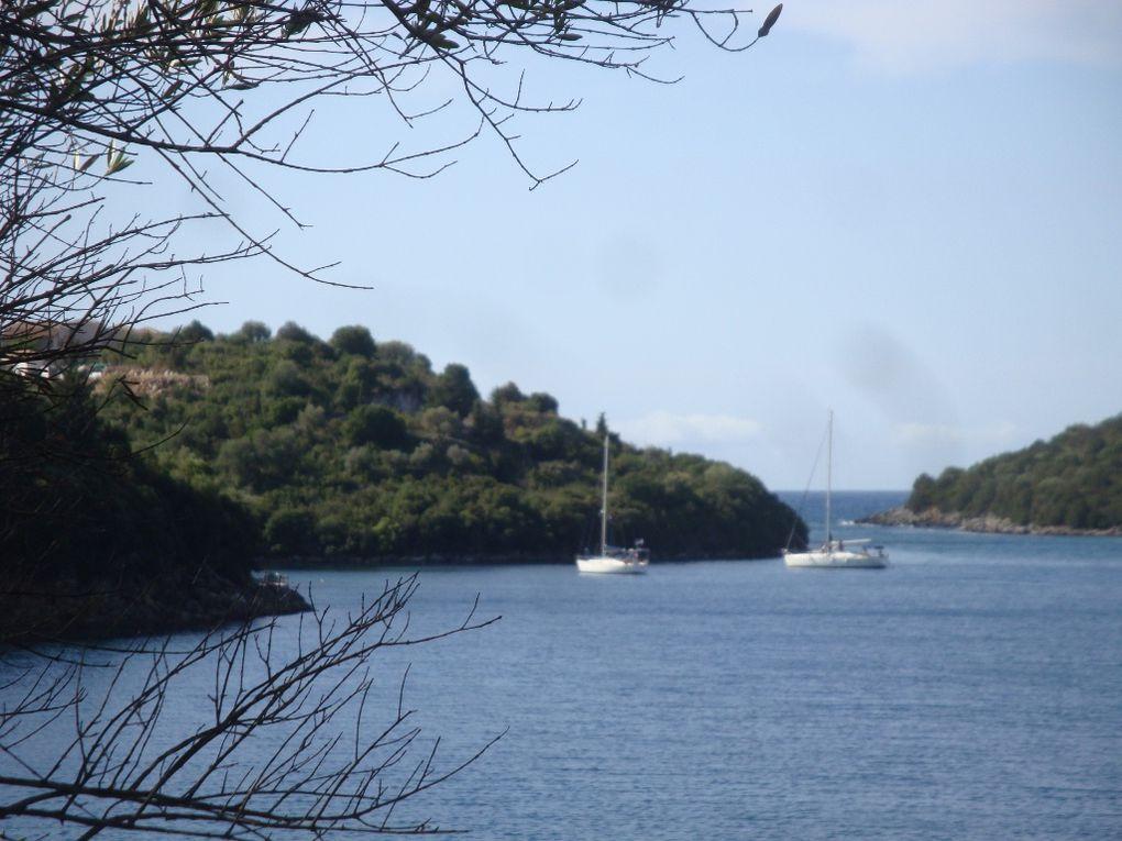 DE Corfou à Preveza en bateau , puis Preveza Athènes en voiture