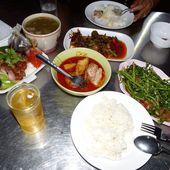 Repas du soir... - Vu au marché (19-03) - Noy et Gilbert en Thaïlande