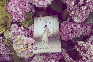 Ce qui hante les bois, Dawn Kurtagich, Éditions du Chat Noir, collection Cheshire, 1er avril 2020