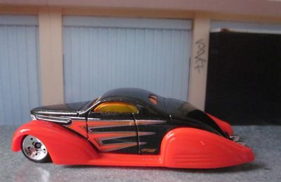 SWOOP COUPE LINCOLN ZEPHYR 1938 CUSTOM HOT WHEELS 1/64