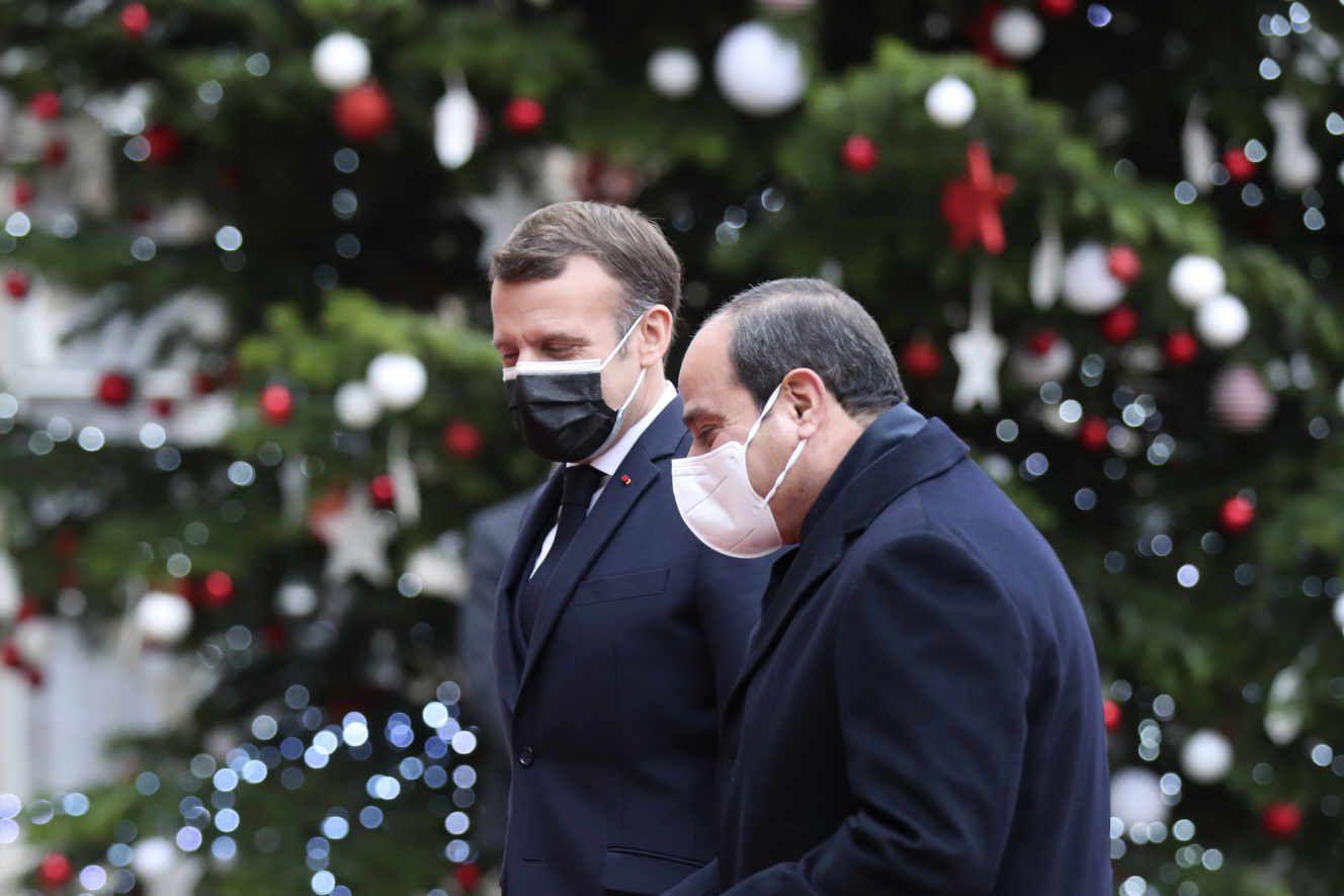 Un intellectuel italien rend sa Légion d'honneur pour protester contre la décoration du président égyptien