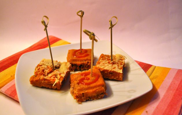 Bouchées de polenta à la tomate