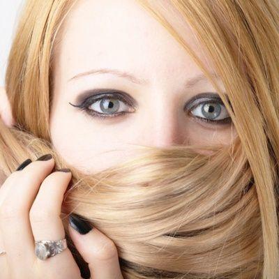 Comment garder les cheveux lisses ?