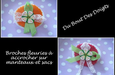 Broches fleuries