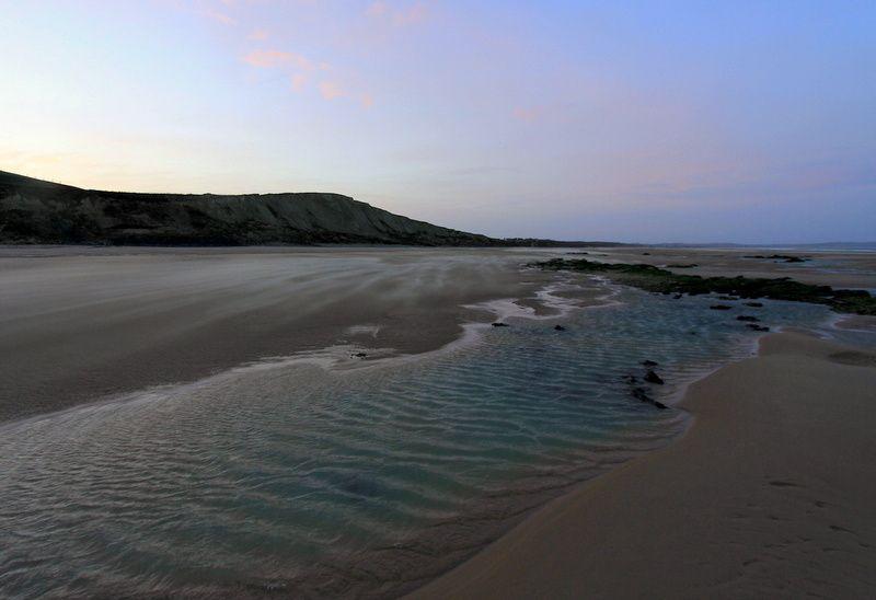La plage du Cap Blanc Nez à l'aube et par grand vent. 03/01/2014