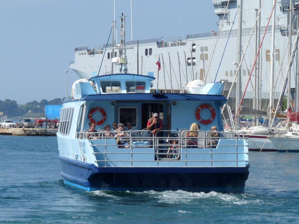 FORT DE LA PREE , vedette passagers du réseau Mistral pour la traversée de la rade de Toulon , le 18mai 2018