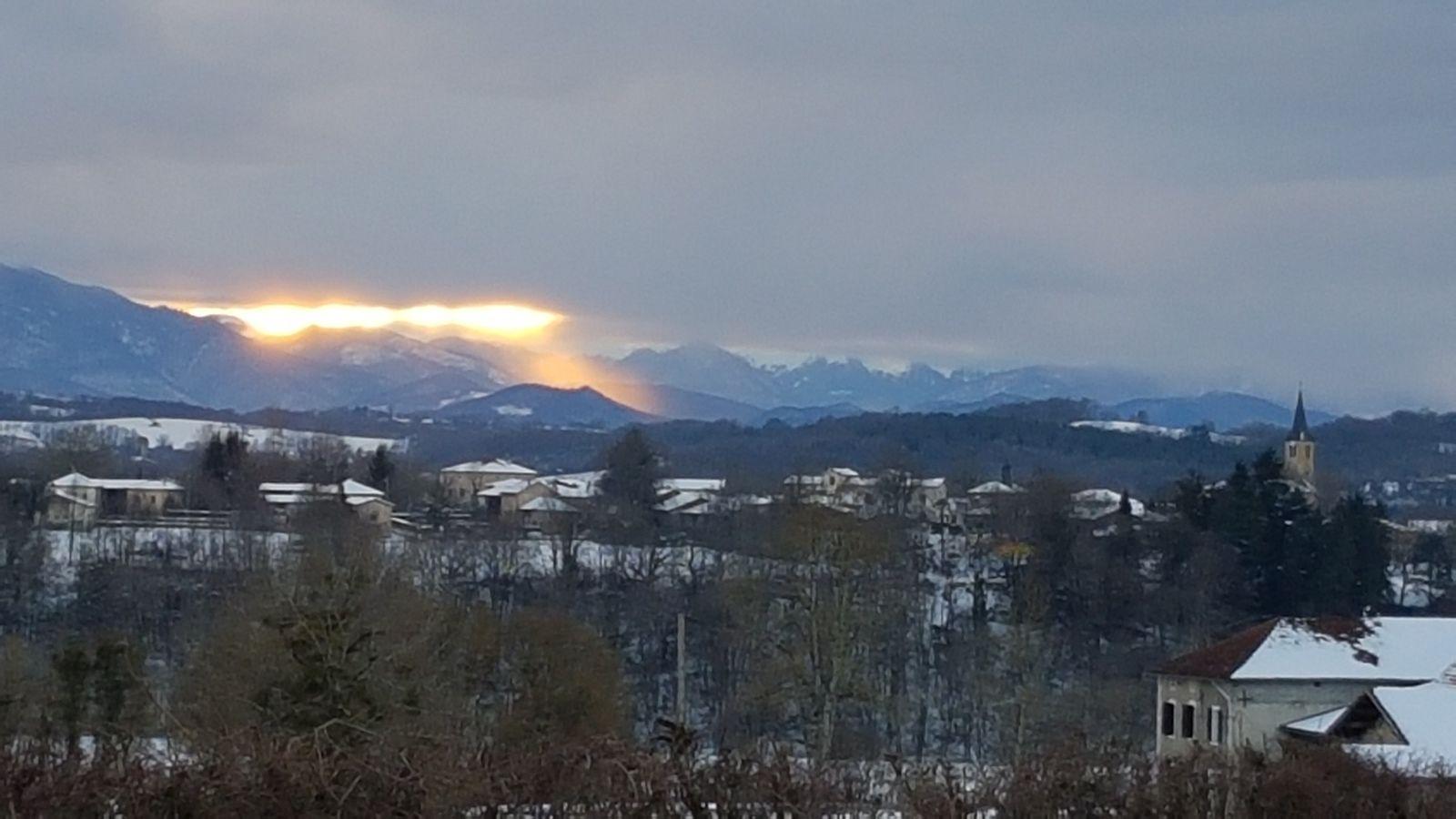 Cassagne : coucher de soleil sur les Pyrénées