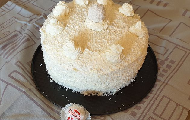 Layer cake chocolat blanc/coco/ananas