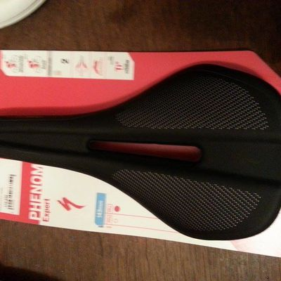 selle Specialized Phenom