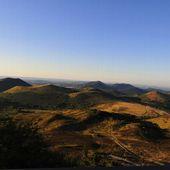 FRANCE : Les jeunes volcans d'Auvergne peuvent-ils à nouveau rentrer en phase active ? Actifs, les volcans d'Auvergne ressemblaient à ça ! - MOINS de BIENS PLUS de LIENS