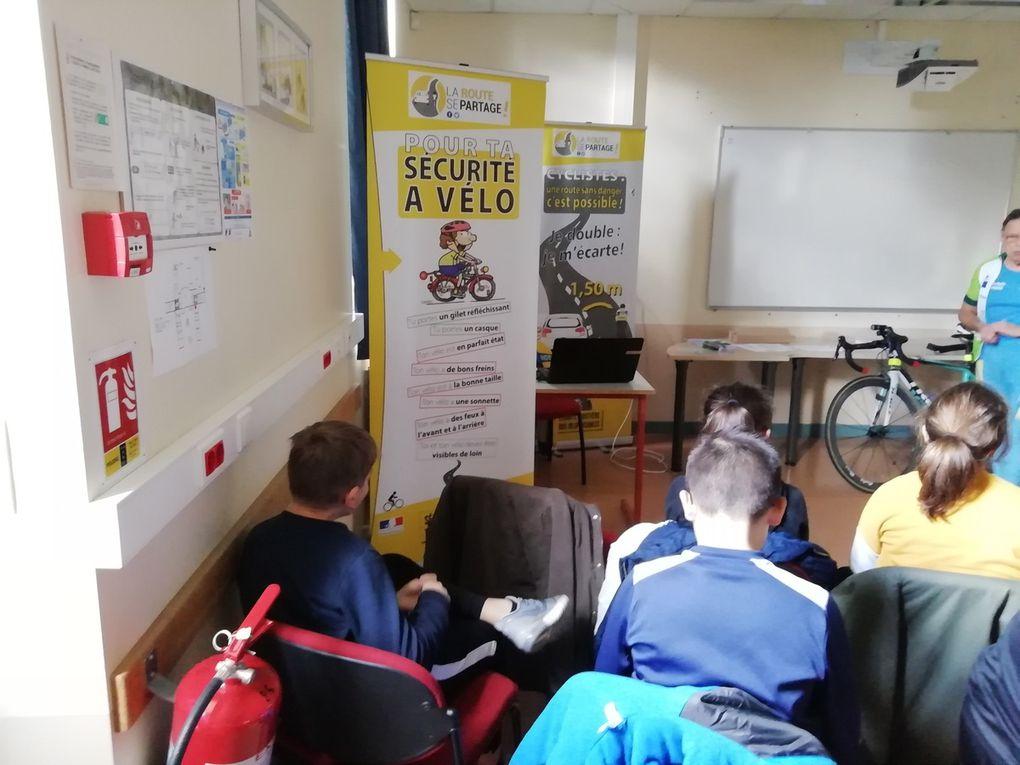 Le club cyclo De Pleine Fougères se déplace au collège pour échanger sur la sécurité à Vélo