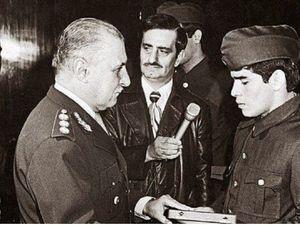 Diego Armando MARADONA ( 1960 - 2020 ) : Mort d'un soldat politique .
