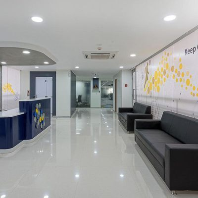 How to buy professional office furniture for your office?
