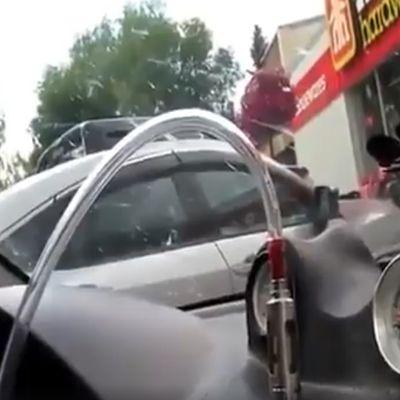 Vidéos - Astuce pour #vapoter en voiture 🚗