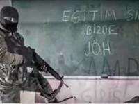 """A gauche: """"C'est à notre tour d'enseigner!""""; au centre: """"Les PÖH et JÖH font la chasse aux perdrix du PKK à Yüksekova"""" (remarquer les trois croissants schématisés); à droite: L'appel à la prière ne cessera pas, le drapeau ne sera jamais abaissé"""""""