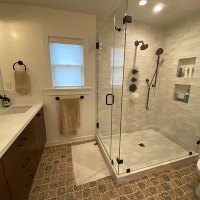 13 Popular Tile Ideas for Remodeling a Small Bathroom In Los Angeles