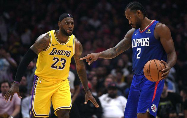 Kawhi Leonard marche sur les Lakers dans le premier duel de Los Angeles